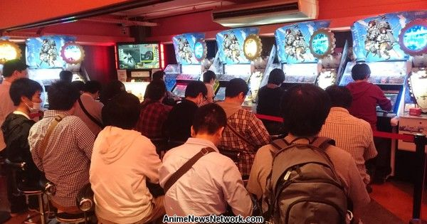 KanColle Fans Endure Long Lines to Play New Arcade Game